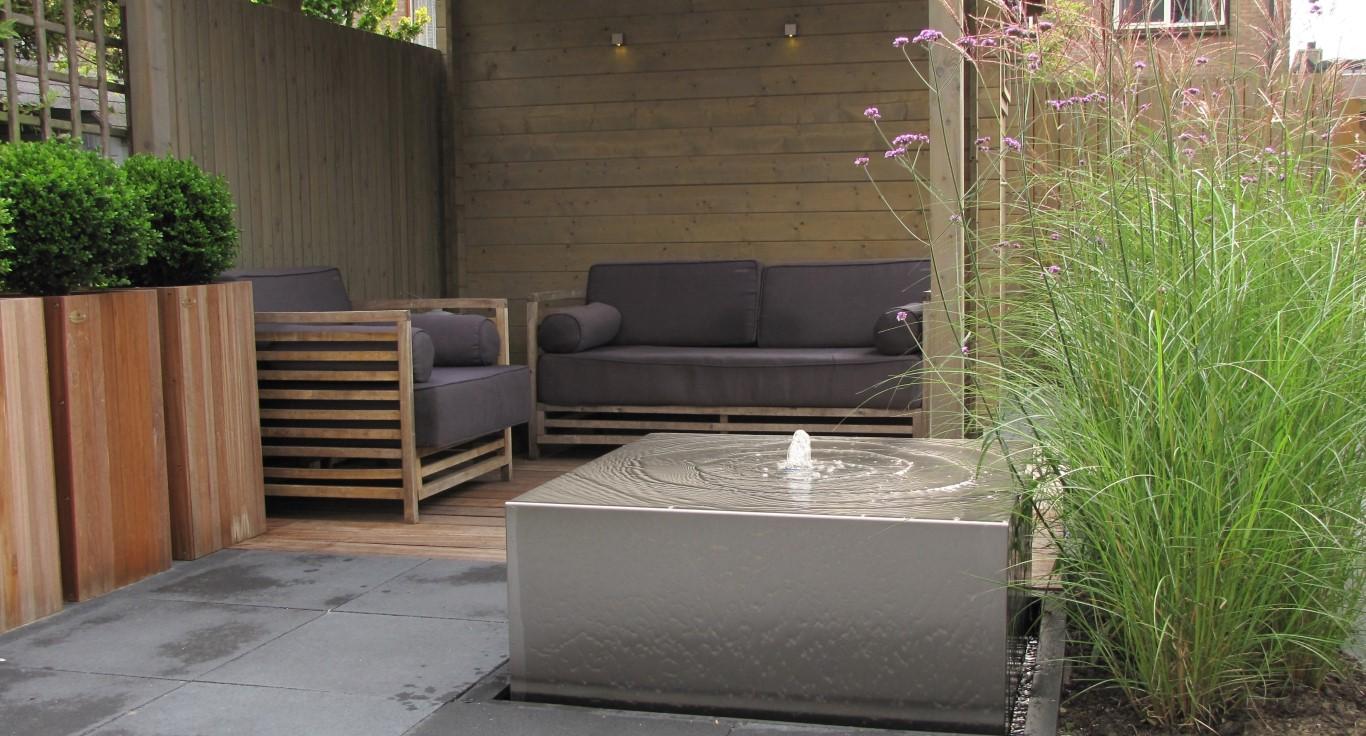 Patiotuinen rivius - Moderne lounge en voormalig ...
