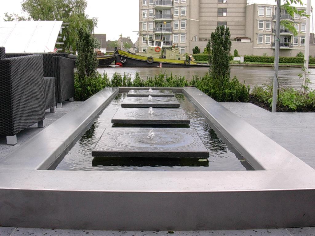 Moderne tuinen rivius - Hedendaagse fontein ...