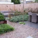 patiotuin lekker eten klinkers rivius tuinontwerp