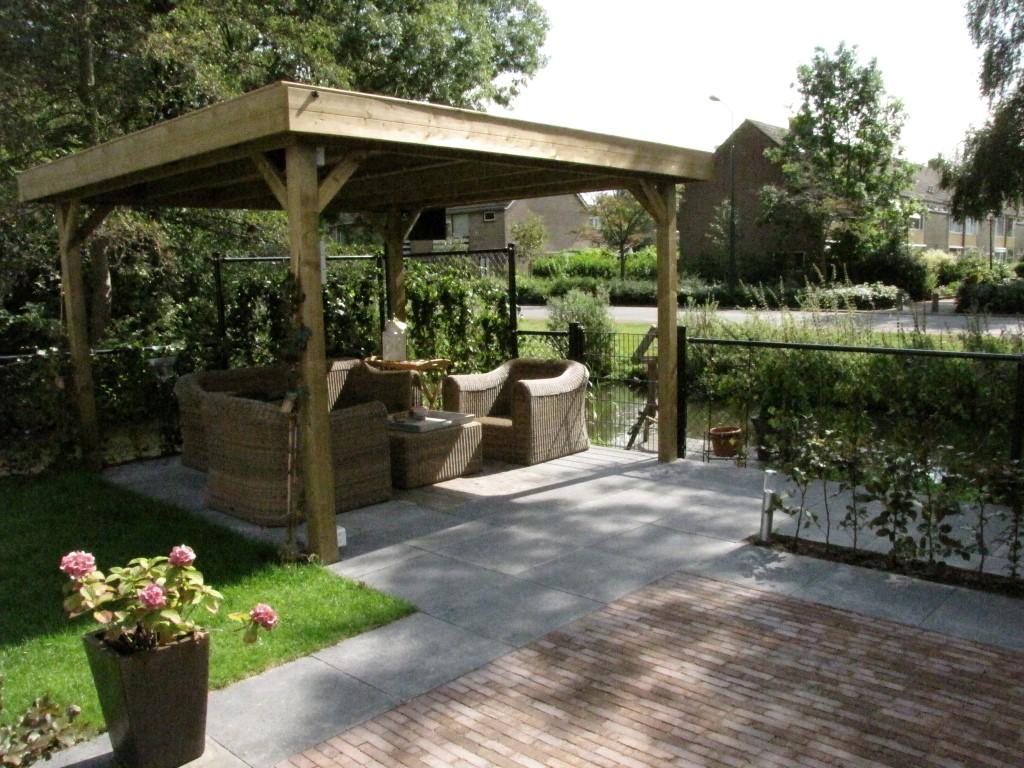 Tuinhuis van larixhout beste inspiratie kamers design en meubels - Tuin met openlucht design ...