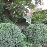romantisch water in de groene tuin rivius tuinontwerp